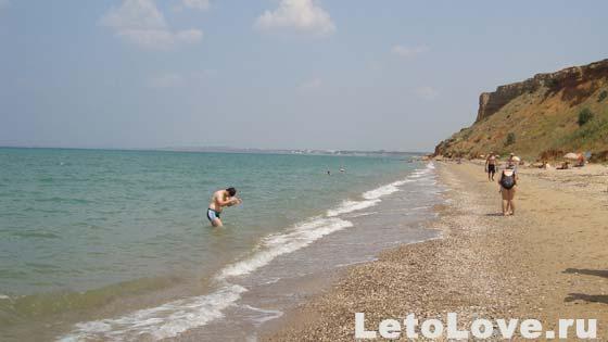 Песчаное - дикий пляж