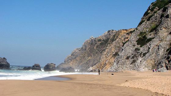 Пляж Прайя-да-Адрага