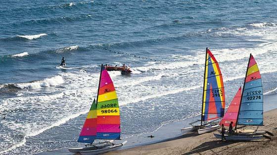 Пляж Лас Алькараванерас