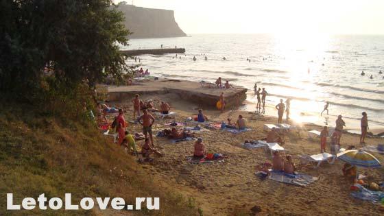 Поселок Песчаное центральный пляж фото