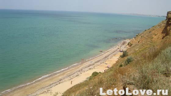 Дикий пляж поселка Песчаное